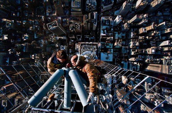 захватывающий вид под ногами на мачте Эмпаер Стейт Билдинг