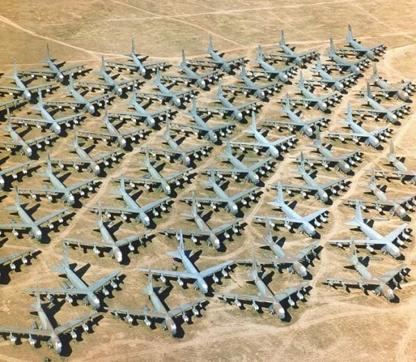 Крупнейшая свалка военной техники
