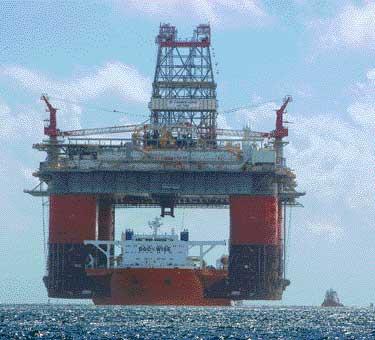 Еще одна нефтяная платформа