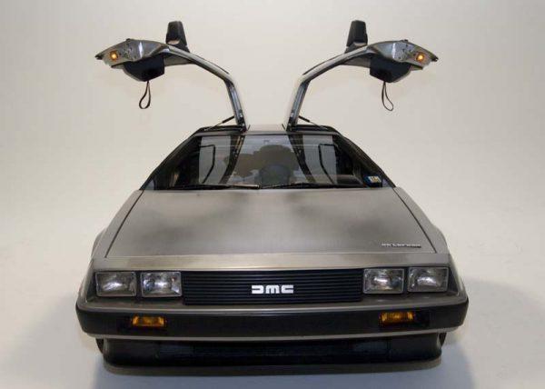 """Машина из """"Назад в будущее"""""""