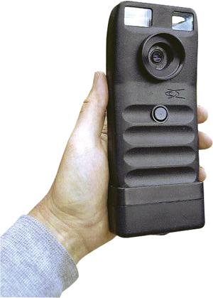 первый коммерческий цифровой фотоаппарат