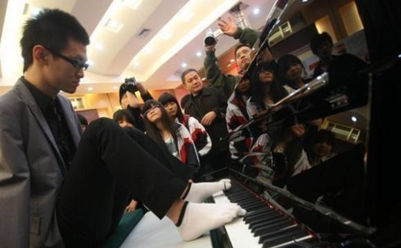 Безрукий пианист