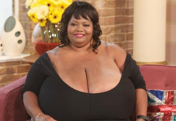 большая женская грудь