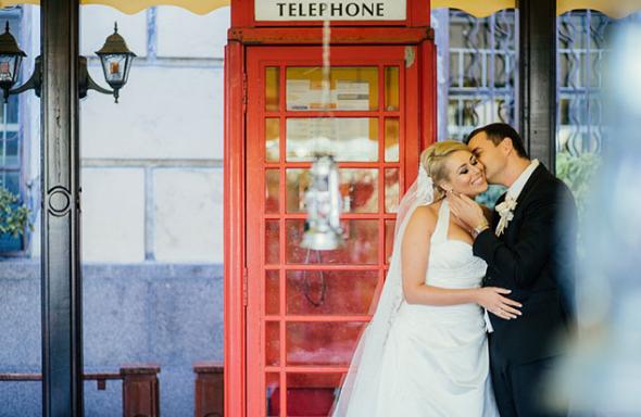 необычная свадьба в телефонной будке