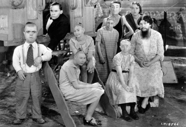 фильм Придурки (Freaks) 1932