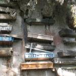 Висячие гробы - традиции жителей Сагады