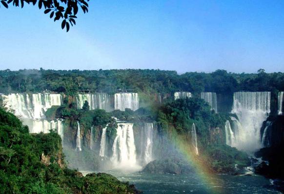 водопад Игуасу радуга